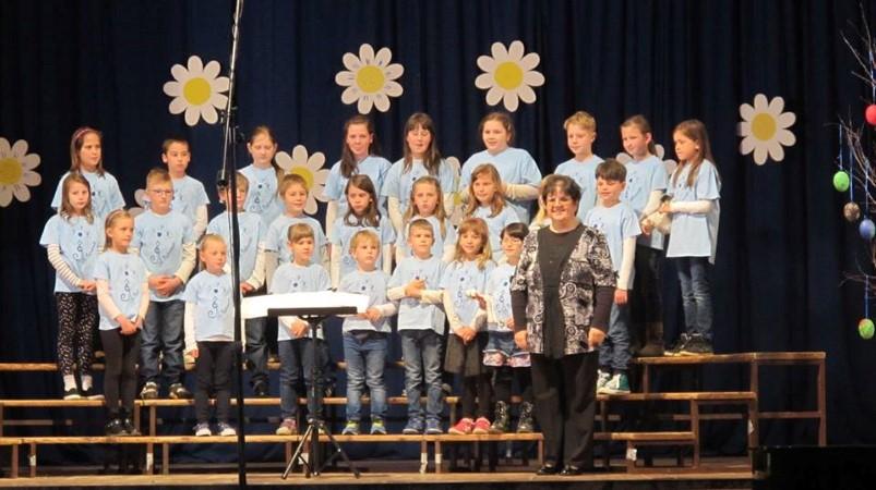 Naša pomlad 2017: Revija otroških in mladinskih pevskih zborov v Vipavi