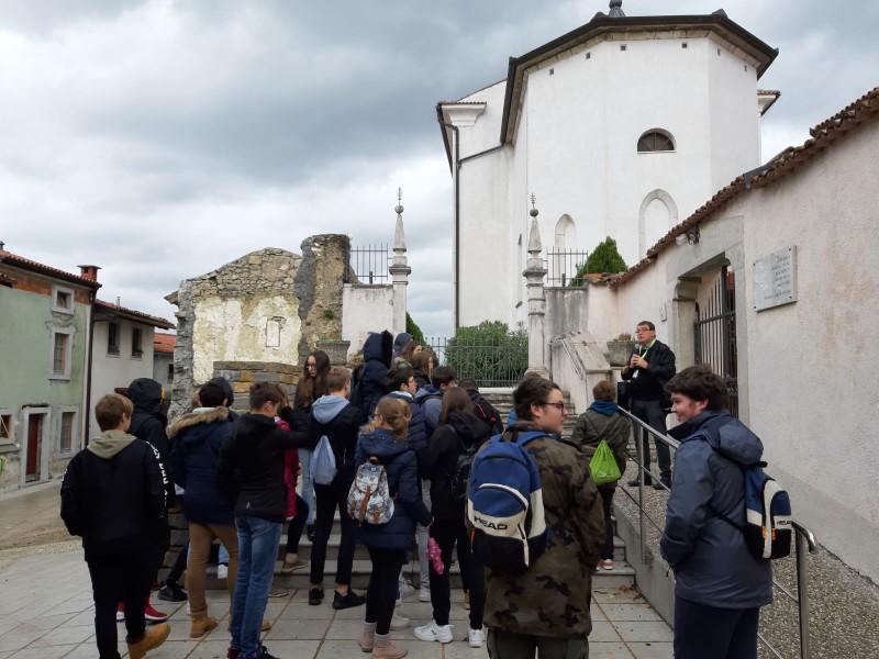 KD: Ogled filma Tistega lepega dne in obisk »večnega mesta« Vipavski Križ