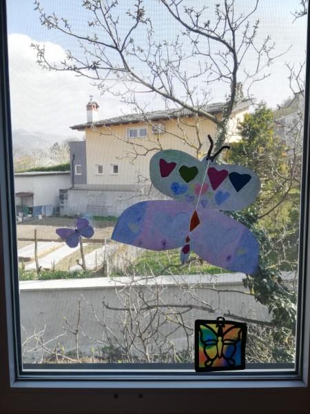 Prvošolci iz Vipave pošiljajo metulje upanja